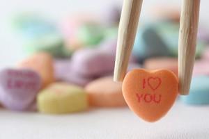 每日一句经典:爱,不在眼里,不在嘴上,它在心中。