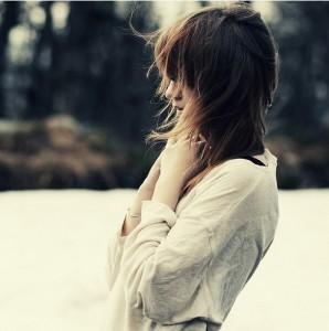 每日一句经典:人的一生要疯狂一次,无论是为一个人,一段情,一段旅途,或一个梦想。