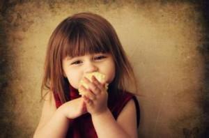 每日一句经典:当个善良的人,哪怕这个世界不够善良。