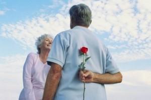 每日一句经典:爱情是一百年的孤独,直到遇上那个矢志不渝的守护你的人,那一刻,所有苦涩的孤独,都有了归途。 ——张小娴《我终究是爱你的》