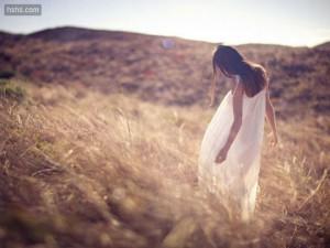 每日一句经典:孤单,就是有的人无话可说,有的话无人可说。