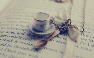 每日一句经典:你的气质里,藏着你走过的路、读过的书和爱过的人。
