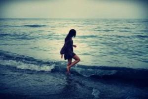 每日一句经典:我故意突然不找你,看看你会不会发现缺少了我而主动找我,却每次都是我发现自己不能缺了你。