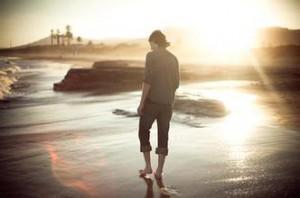 每日一句经典:人生没有等出来的美丽,只有走出来的辉煌。