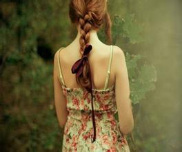 每日一句经典: 不管你信不信,有个人正在等待希望能遇到像你这样的人。