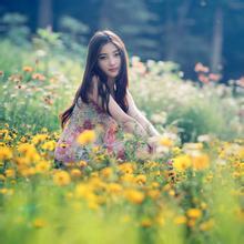 每日一句经典:人生就是一出戏,你走慢了,有些东西就赶不到了。