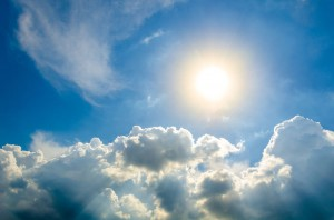 每日一句经典:今天的太阳和你父辈出生的时候没什么两样。