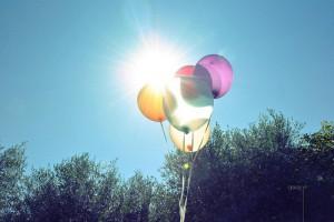 每日一句经典: 时间不会停下来等你,我们现在过的每一天,都是余生中最年轻的一天。——张皓宸 《你是最好的自己》
